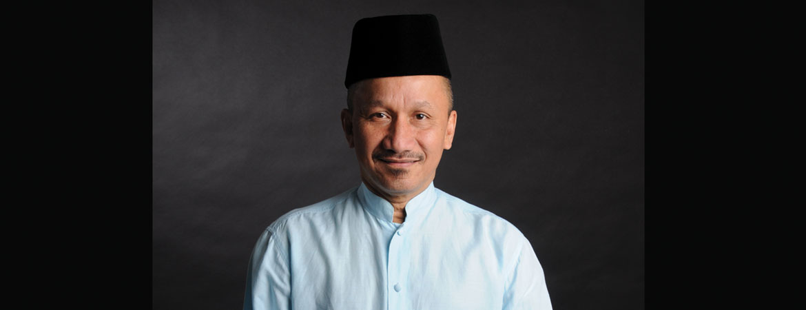 THE INQUISITIVENESS OF JOE SIDEK