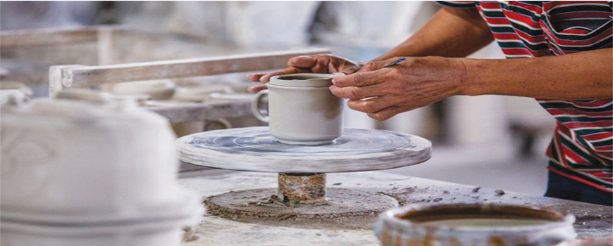 ENDANGERED TRADES: THE POTTER'S HAND